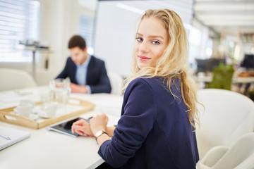 Business Frau in einer Besprechung
