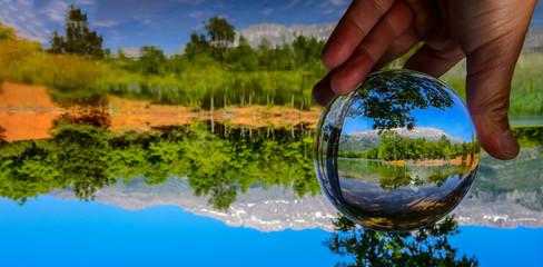 kuvars kristal küre ile manzara dokusu