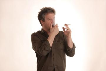 Raucher muss husten