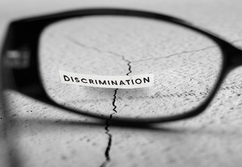 Discrimination text through reading glasses.
