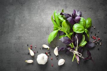 Basil leaves, garlic and pepper