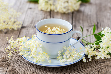 Sambucus - Holler - Hollunder - Tee - Sirup