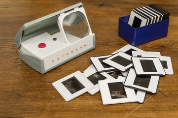 Visualizzatore diapositive anni 50 con diapositive