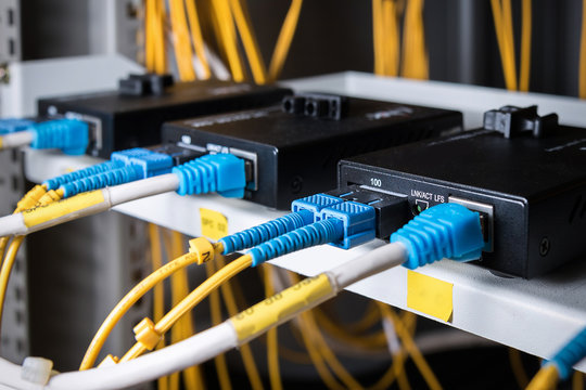 Fiber optic connecting on media converter