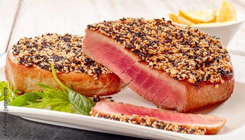 how to cook tuna steak with sesame seeds