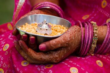 henna ,saree, Hindu wedding, bride ,Rajasthan, India