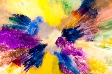 Bunte Farbklekse mit Strahleneffekt