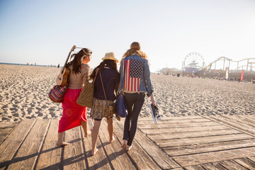 Friends walking, Santa Monica Pier, Santa Monica Beach, US
