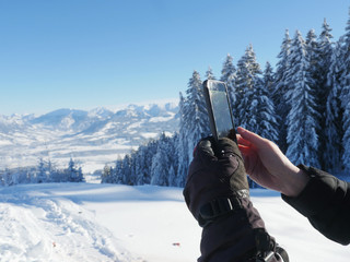 photographing winter landscape smartphone