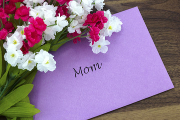 Card for Mom with some pink and white flowers
