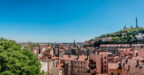 Panorama de Lyon et de la colline de Fourvière de la Croix-Rousse