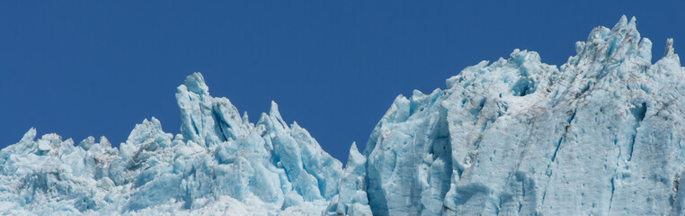 Knife Edged Glacier reaching towards the sky