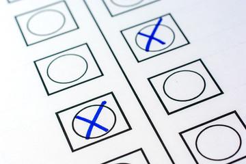 Stimmenabgabe zur Wahl einer neuen Regierung