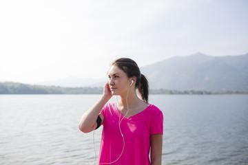 Kopfhörer,trainieren,hören,pink,Sportler,Freizeit,Lifestyle