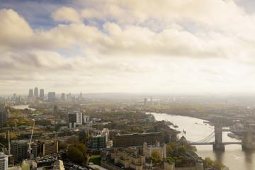 Tower of London,Wolke,Wahrzeichen,Fluss,Stadtansicht,Himmel,Reise