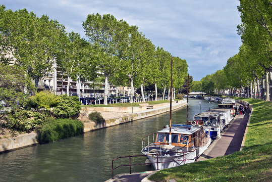 Canal de la Robine in historical Narbonne City