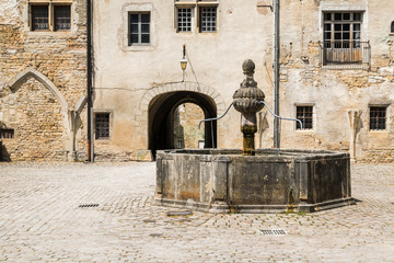 Foto op Plexiglas Fontaine Abbaye Saint-Pierre fontaine