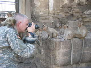 Photographer's close encounter with Capuchin Monkeys