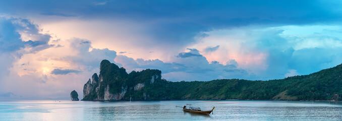 Bucht von Phi Phi Island Thailand am Morgen