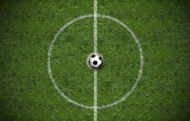 Fußball am Mittelkreis