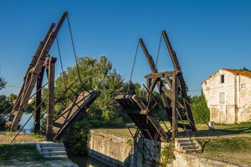 Van Gogh drawbridge