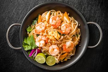 タイの焼きそば パッタイ Pad-thai Thai noodle