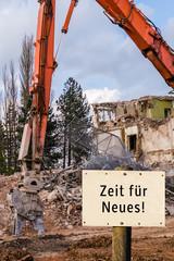 Zeit für Neues Abbruchhaus Schild
