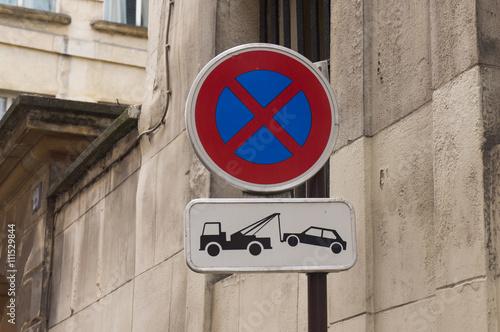 panneau interdiction de stationner photo libre de droits. Black Bedroom Furniture Sets. Home Design Ideas