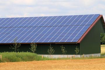 Solare Dachanlage, Photovoltaik auf dem Bauernhof