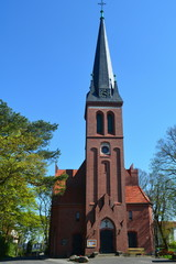 Frontansicht auf die Kirche von Ahlbeck auf Usedom an der Ostsee