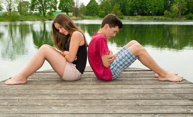 Junges Teenager Paar mit Beziehungskrise - Trennung