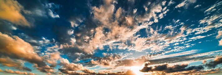Fotobehang - orange and blue sky at sunset