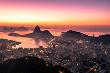 Fotomurales - Rio de Janeiro just before Sunrise, City Lights, and Sugarloaf Mountain
