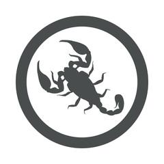 Icono plano escorpion en circulo color gris
