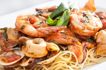 seafood spaghetti with shrimp and squid