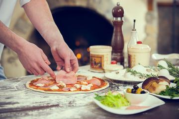 Prepare pizza