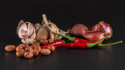 Cooking spice Shallots, garlic, peanuts, chili .