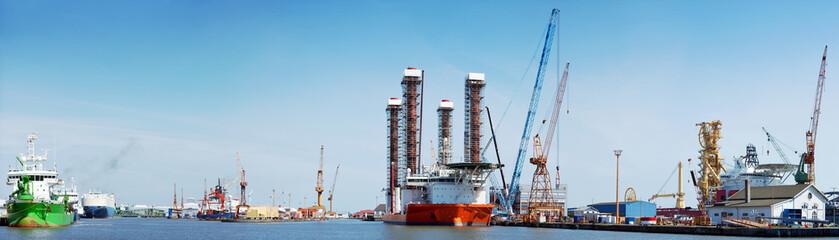 Werft mit Spezialschiffen in Bremerhaven
