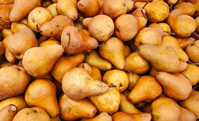 Fresh organic pears at a local farmers market.