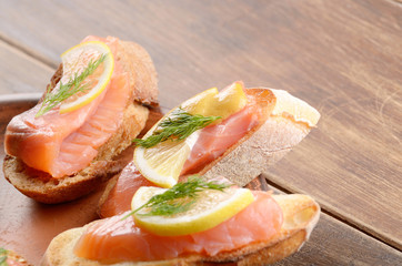 Open sandwiches with salmon
