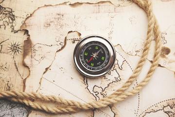 compass and karta.retro