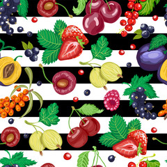 Seamless pattern with garden berries on white and black background
