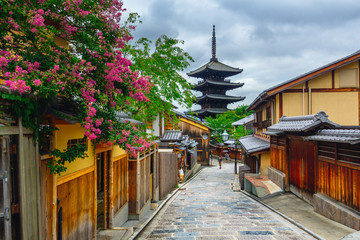Photo sur Plexiglas Japon Yasaka Pagoda and Sannen Zaka Street in the Morning, Kyoto, Japan