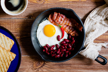 english breakfast in rustic style