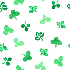 Seamless pattern with clover leaves in watercolors