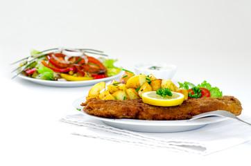 Wiener Schnitzel mit Röstkartoffeln