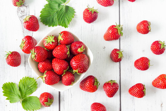 Strawberries in round shape, top view