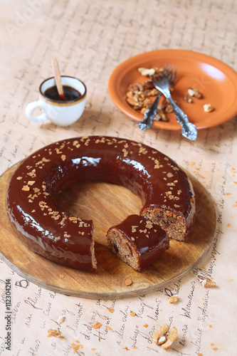date bundt cake with walnuts and chocolate mirror glaze. Black Bedroom Furniture Sets. Home Design Ideas
