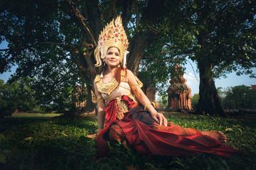 Beautiful Girl in Apsara Fototapete