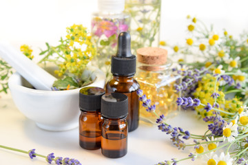alternative therapy with essential oils and supplements